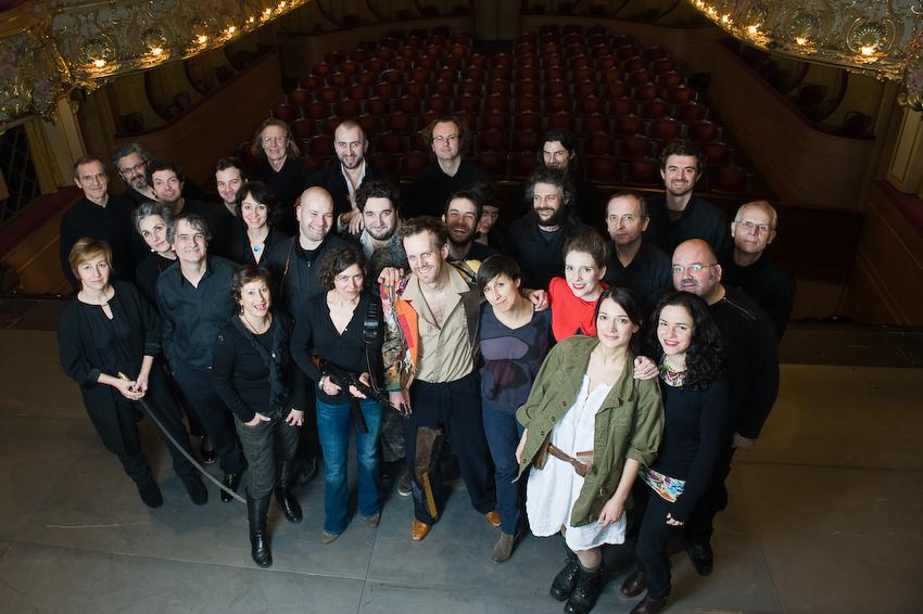 L'équipe artistique de L'Empereur d'Atlantis à l'Athénée-Théâtre Louis Jouvet en janvier 2014.