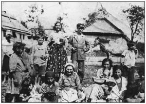Papusza en famille avant la guerre, Musée ethnographique de Tarnow, Pologne