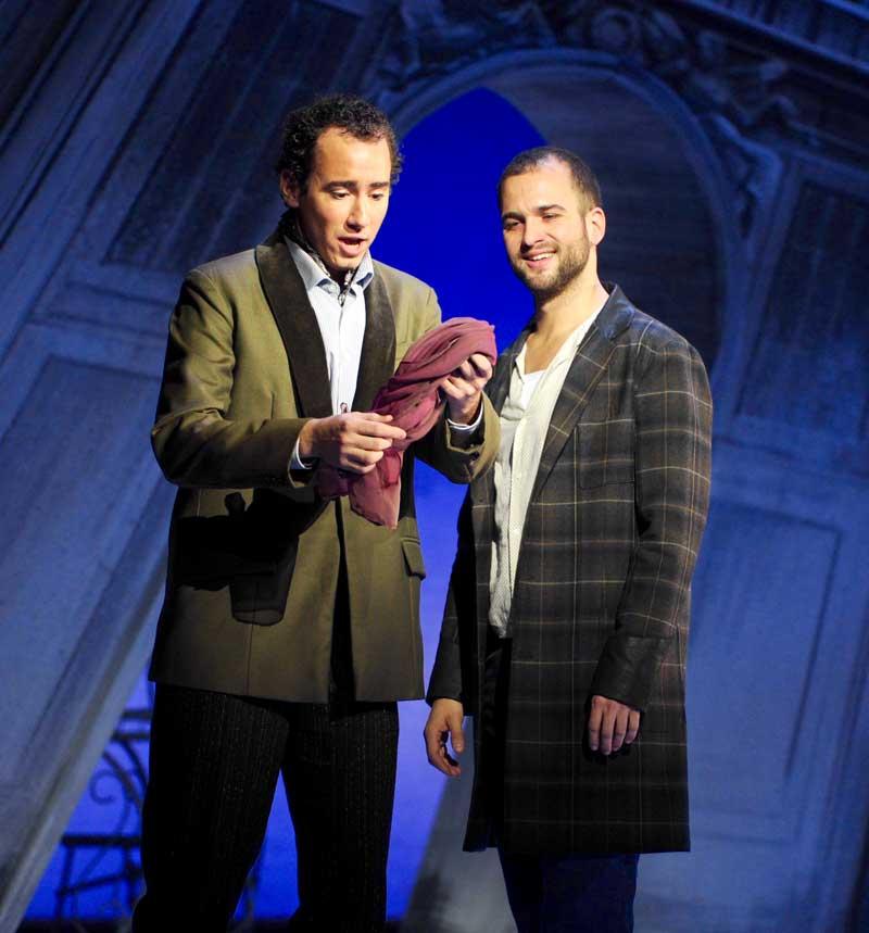 Cyrille Dubois (Coelio) et Philippe-Nicolas Martin (Octave) dans Les Caprices de Marianne de Sauguet. © Alain Julien