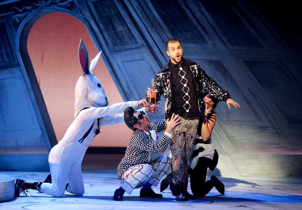 Philippe-Nicolas Martin interprète Octave dans Les Caprices de Marianne mis en scène par Oriol Tomas. © Alain Julien