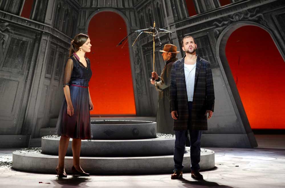 Zuzana Markova (Marianne) et Philippe-Nicolas Martin (Octave) dans Les Caprices de Marianne mis en scène par Oriol Tomas. © Alain Julien